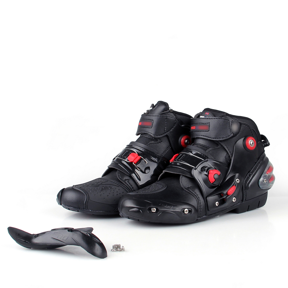 Best Racing Motorcycle Boots Motorcycle Racing Boot & Track Boot Reviews Corner entry speed, body position, holding your line on the apex, timing for throttle application—you have enough on your mind at the track without having to overthink inputs to your foot controls.